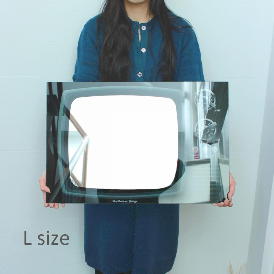 TV GLASS WALL MIRROR